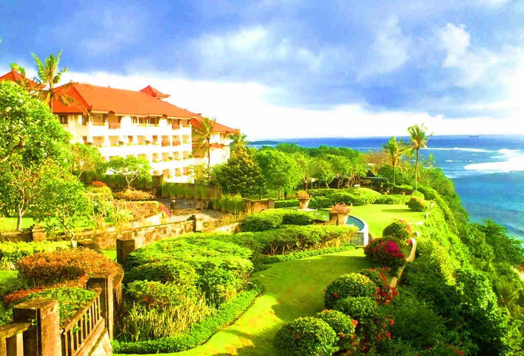 Foto Pantai Nusa Dua Bali di Belakang Grand Nikko Hotel