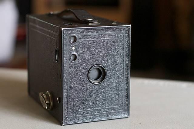 Brownie - Cikal Bakal kamera Saku A