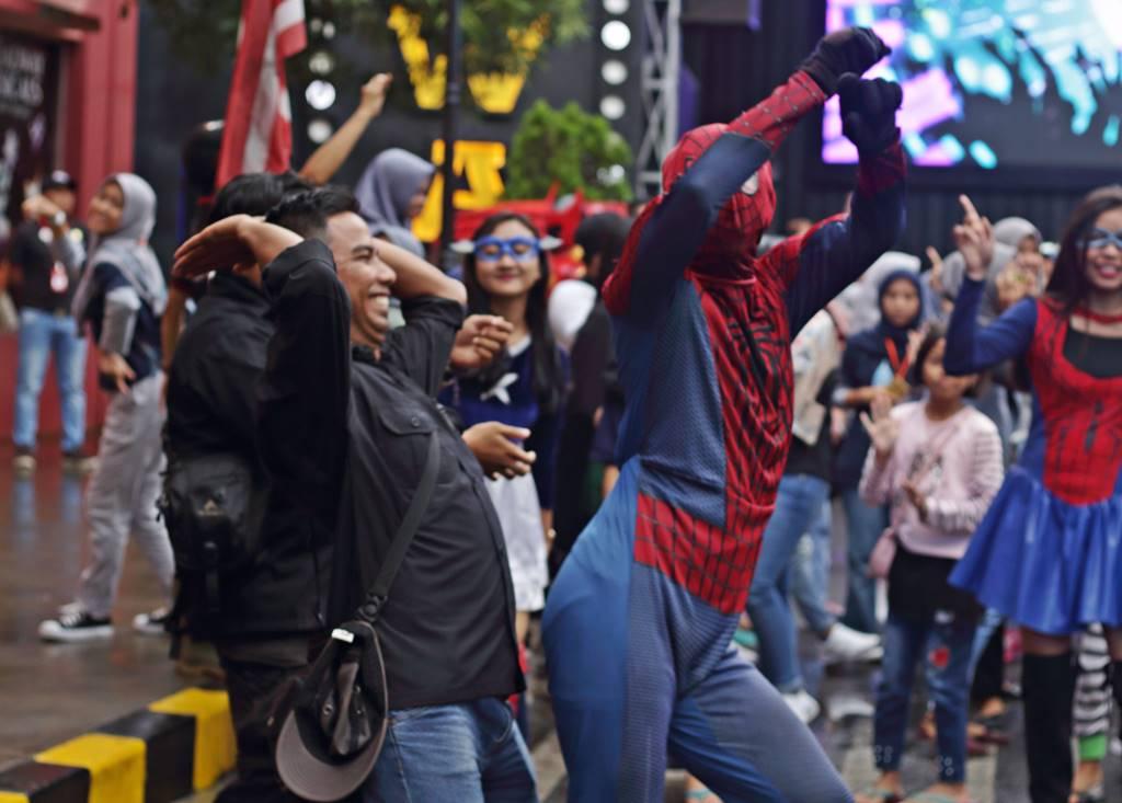Spiderman Joget di Museum Angkut C